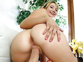 Virginal  Zelda Morrison catch all of the steamy gizm in her gullet